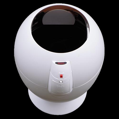 Thùng rác thông minhKowon 6L KSB-0601là model thùng rác cảm biến cỡ nhỏ, có thiết kế độc đáo, màu trắng trang nhã, phù hợp với phòng khách hay phòng ngủ. Mắt cảm biến được đặt tại mặt trước, giúp nắp thùng mở tự động và đóng lại 5 giây sau khi bỏ rác vào thùng. Nguồn điện 3 Pin AA, thân thùng được làm nhựa ABS cao cấp, có thùng riêng thuận tiện thay túi rác hay làm sạch. Sản phẩm đang giảm 29%, còn 560.000 đồng (giá gốc 795.000 đồng).