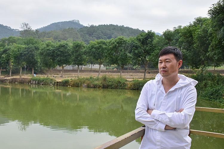 Xue Ruiquan bị sa thải vì có ba con. Ảnh: Yuan Ye/Sixth Tone.
