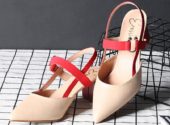 Giày nữ, giày cao gót kitten heel erosska đế vuông cao 5cm phối dây đỏ - EH001 (màu nude)