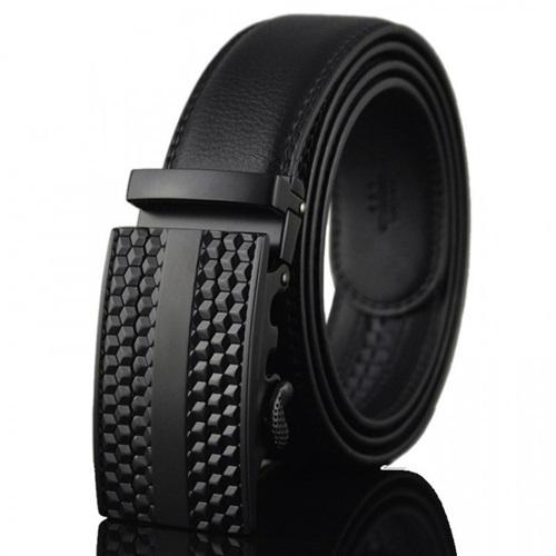 Thắt lưng nam Avaka AV123 làm từ da, êm khi sử dụng và bền chắc. Đường chỉ may tỉ mỉ, khóa bằng kim loại. Họa tiết khắc nổi tạo điểm nhấn, dễ phối với nhiều bộ trang phục. Sản phẩm đang bán với giá 590.000 đồng trên Shop VnExpress.