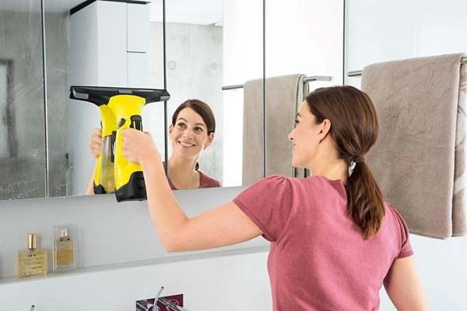 Tay cầm thoải mái, dễ chịu, giúp bà nội trợ tiện lợi hơn khi dọn dẹp nhà cửa.
