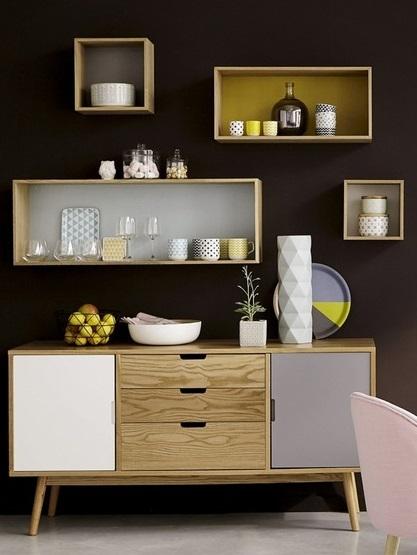 Tủ trữ đồ Fjord loại lớn có màu sắc trang nhã, phối hợp giữa màu nâu tự nhiên của chất liệu gỗ cao su loại Avới màu xanh dươngtươi mát.Thiết kế tủ theo phong cách Bắc Âu.Khung chân vững chãi giúp nâng đỡ chắc chắn phần lưu trữ bên trên. Tủ có thể chứanhiều đồ dùng, đặttrong phòng ngủ, phòng khách... đều được. Sản phẩm có giá ưu đãi đến 41%, giảm còn 8,181 triệu đồng (giá gốc 13,98 triệu đồng).