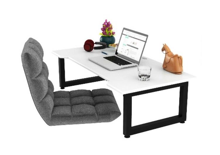 Bàn làm việc thấp Normal desk có kích thước dài 120 cm, rộng 60 cm, cao 35 cm, phù hợp với không gian nhỏ nhỏ. Mặt bàn làm bằng gỗ tự nhiên đã qua xử lý chống cong vênh, chống mối mọt, sơn PU chống thấm và phủ 2K chống trầy. Người sử dụng có thể ngồi trên thảm hoặc kết hợp với một chiếc ghế tatami, vừa làm việc vừa thư giãn. Sản phẩm đang giảm 5%, còn 1,995 triệu đồng (giá gốc 2,1 triệu).