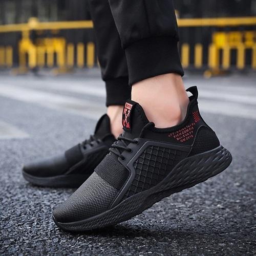 Giày Passo G160 làm từ vải và cao su, có màu sắc trung tính. Thiết kế dễ phối với jeans bụi bặm, cá tính cho những chuyến đi dài ngày. Sản phẩm đang bán với giá 279.000 đồng trên Shop VnExpress.