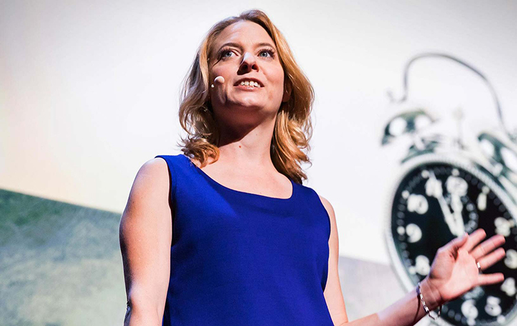 Laura Vanderkam, tác giả của nhiều cuốn sách về quản lý thời gian và năng suất bán chạy. Ảnh: Lauravanderkam.com
