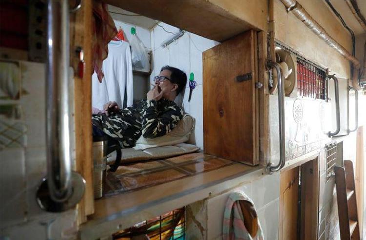 Khi dịch nCoV bùng phát, Wong tự nhốt mình trong nhà cả ngày do sợ bị lây nhiễm. Ảnh: Reuters.