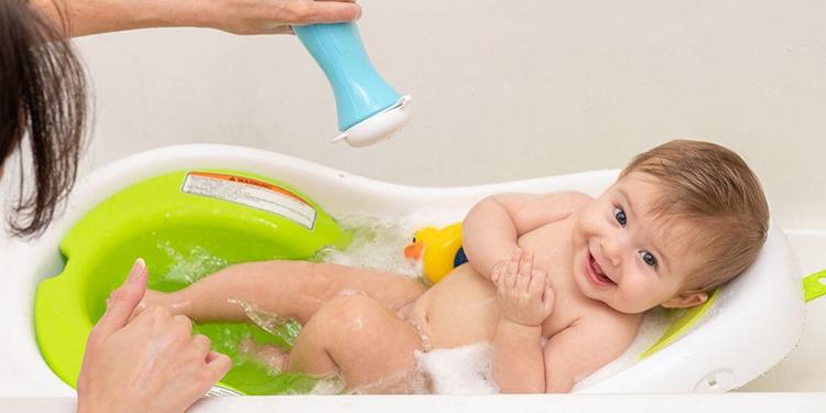 Mua cho trẻ những đồ dùng vệ sinh đẹp và phù hợp với độ tuổi cũng khiến con thêm hào hứng trong việc vệ sinh thân thể. Ảnh: Kyle Fitzgerald