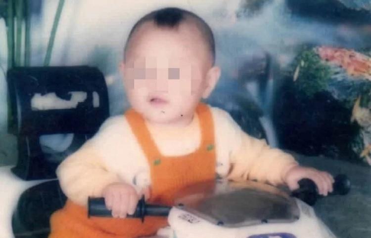 Cha mẹ Shen Cong đã tìm kiếm con trai suốt 15 năm mới được đoàn tụ.Ảnh: Handout.