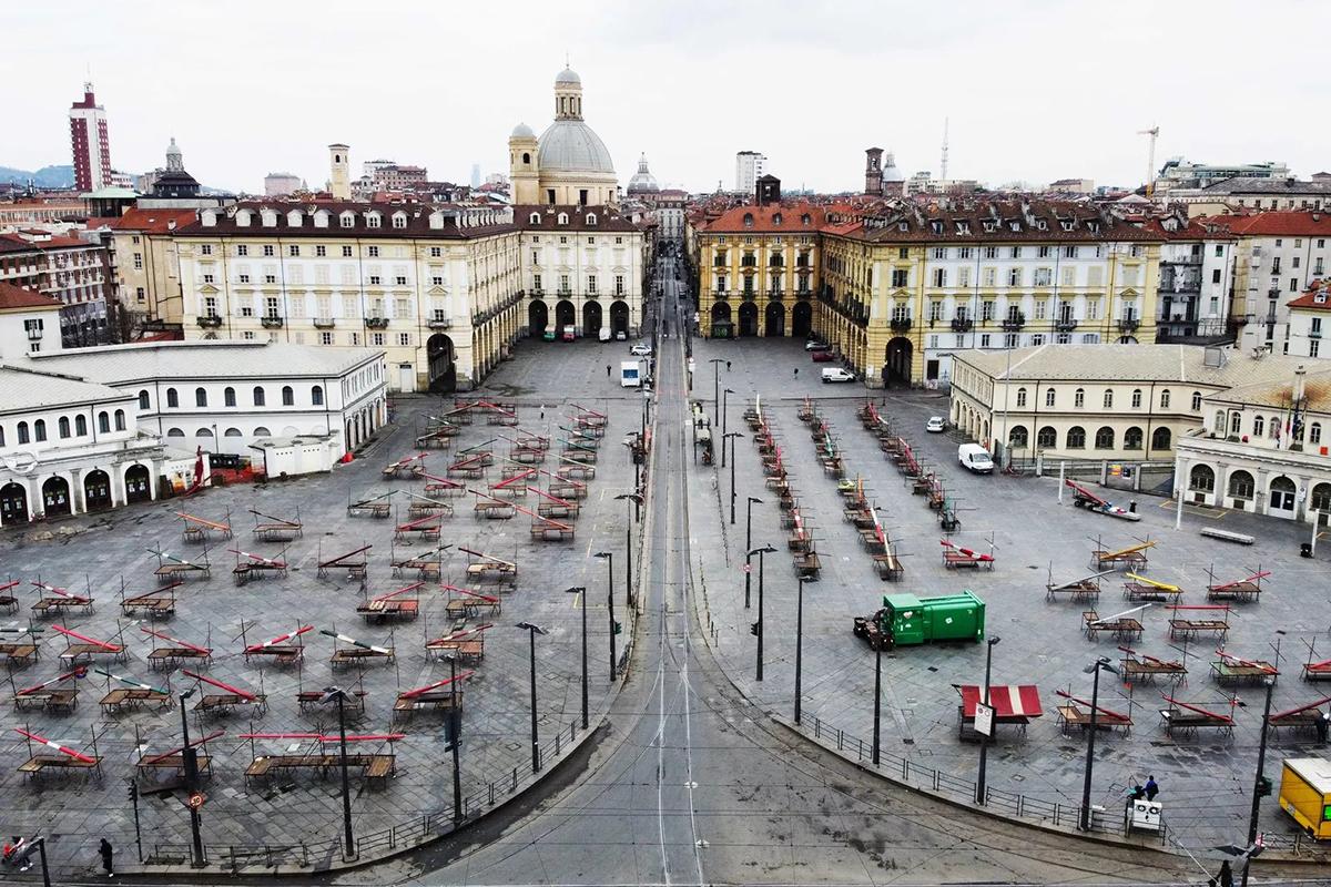 Thành phố Turin giờ đây hoang vắng như một sa mạc. Ảnh: Vox.