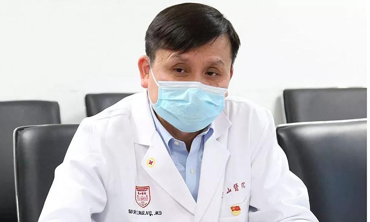 Bác sĩ Trương Văn Hùng, trưởng khoa truyền nhiễm bệnh viện Hoa Sơn, trực thuộc Đại học Phúc Đán, Thượng Hải là bác sĩ đầu ngành về truyền nhiễm tại Trung Quốc. Ảnh: sohu.