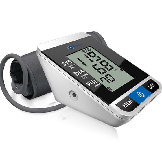 Máy đo huyết áp tự động Kachi MK167 999.000đ 699.000đ (-30%)   sử dụng công nghệ hiện đại mới tự động hoàn toàn giúp đo huyết áp đơn giản, nhanh chóng. Có giọng nói thông báo quá trình đo tiện lợi. Với thiết kế, trang nhã, và đặc biệt có độ chính xác cao, rất phù hợp cho người dung gia đình, máy đo huyết áp tự động Kachi MK-167 là mộ trong những giải pháp tốt nhất để bảo vệ sức khỏe & tránh được các tai biến có thể xảy ra, từ đó điều chỉnh được thói quen sống phù hợp với tình trạng sức khỏe! Máy đo huyết áp Kachi MK-167 sản xuất trên chất liệu nhựa ABS cao cấp, nhẹ & an toàn, tránh va đập. Bạn có thể mang đi hay sử dụng mọi nơi bạn cần gấp. bạn có thể kiểm tra huyết áp một cách đơn giản & nhanh chóng! Công nghệ đo tự động sẽ giúp bạn biết được chỉ số huyết áp & nhịp tim của mình trong tích tắc.