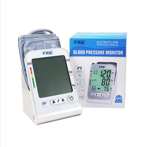 Máy đo huyết áp bắp tay FDK FT-C15Y (tặng nhiệt kế điện tử đầu mềm Tanako) 1.289.000đ 1.120.000đ (-13%)  Máy đo huyết áp bắp tay luôn luôn cho ra kết quả chính xác nhất. Do mạch máu ở bắp tay, kể cả với người lớn tuổi, gần tim nhất, luôn rõ mạch và thông số huyết áp sát với chỉ số của cơ thể nhất.  - Máy đo huyết áp bắp tay tự động FDK, model FT-C15Y sử dụng công nghệ cảm biến điện tử Intellisense thế hệ thứ 2 mới tự động hoàn toàn, giúp cho việc đo huyết áp nhanh chóng, đơn giản và đặc biệt phù hợp với người già.  - Máy có chất lượng cao và độ bền tốt nhất.Thông số đo của máy bao gồm chỉ số huyết áp tối đa (huyết áp tâm thu), chỉ số huyết áp tối thiểu (huyết áp tâm trương) và nhịp tim / phút.