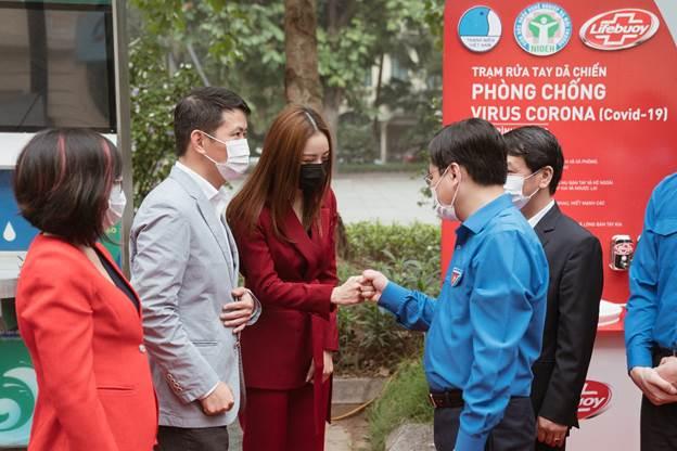Chi Pu là nghệ sĩ hưởng ứng chiến dịch này đầu tiên với vai trò đại sứ chương trình và kêu gọinhiều nghệ sĩ đình đám khác tham gia.