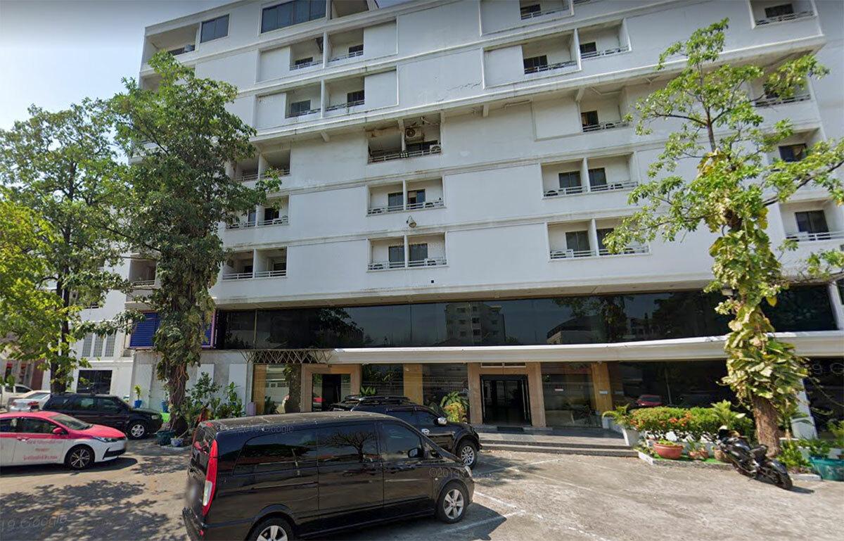 Bar nơi 25 người Việt làm việc đặt tại tầng 5 của một khách sạn ở Bangkok. Ảnh: NVCC