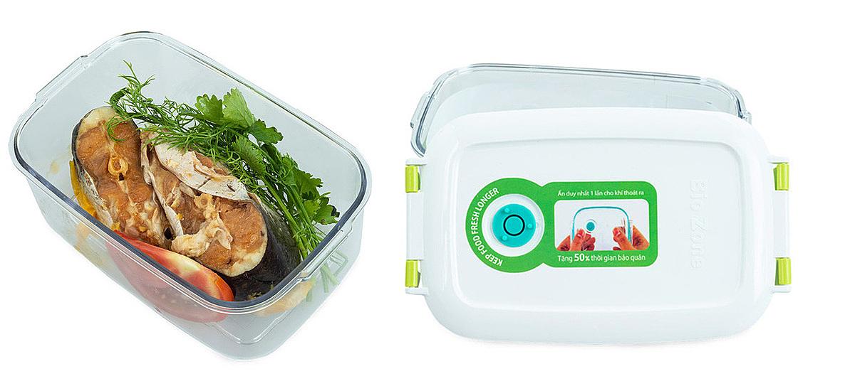 Hộp bảo quản thực phẩm  BioZone KB-SM600S xuất xứ Việt Nam, làm bằng nhựa nguyên sinh nhập khẩu, chịu nhiệt tới 100 độ,có thể dùng trong tủ lạnh, máy rửa bát, lò vi sóng. Nắp hộp làm từ nhựa PC có hai khóa bản lề. Van silicone trên nắpcó tác dụng xả bớt không khí chỉ với một lần ấn nhẹ, giúp giảm độ ẩm và tốc độ oxi hóa, ngăn ngừa thất thoát vitamin, giữ thực phẩm tươi lâu. Hộp dung tích 600ml,thiết kế hình chữ nhật,tiết kiệm không giansử dụng tủ lạnh. Sản phẩm đang được bán với giá ưu đãi93.900 đồng.