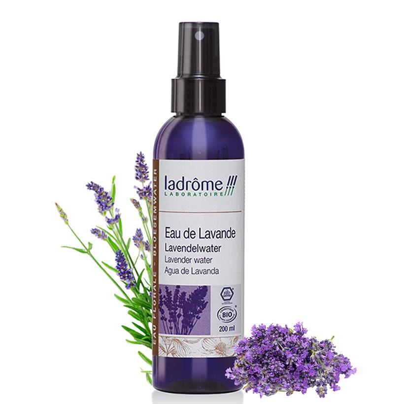 Nước hoa hồng hữu cơ oải hương - Lavender Water organic 200ml 399.000đ Là sản phẩm nước hoa hồng hữu cơ đuiợc chiết xuất từ oải hương , dạng chai xịt, giúp cân bằng độ ẩm trên da, cho làn da sức sống và sự tươi mới một cách tự nhiên. Là sản phẩm nước hoa hồng  hữu cơ đuiợc chiết xuất từ oải hương , dạng chai xịt, giúp cân bằng độ ẩm trên da, cho làn da sức sống và sự tươi mới một cách tự nhiên.