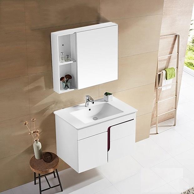 Bộ tủ, chậu, kệ gương Lavabo ZT-LV993-3E gồm tủ và kệ gương được làm từ chất liệu nhựa PVC với khả năng chịu nước tuyệt đối, chống mối mọt, cong vênh. Màu trắng trang nhã, hợp với nhiều không gian nhà tắm. Chậu rửa làm bằng sứ với lớp men chống bám bẩn, trầy xước, không bị ố vàng sau thời gian dài sử dụng. Bộ sản phẩm có giá 4,85 triệu đồng, giảm 17% so vơi giá gốc.