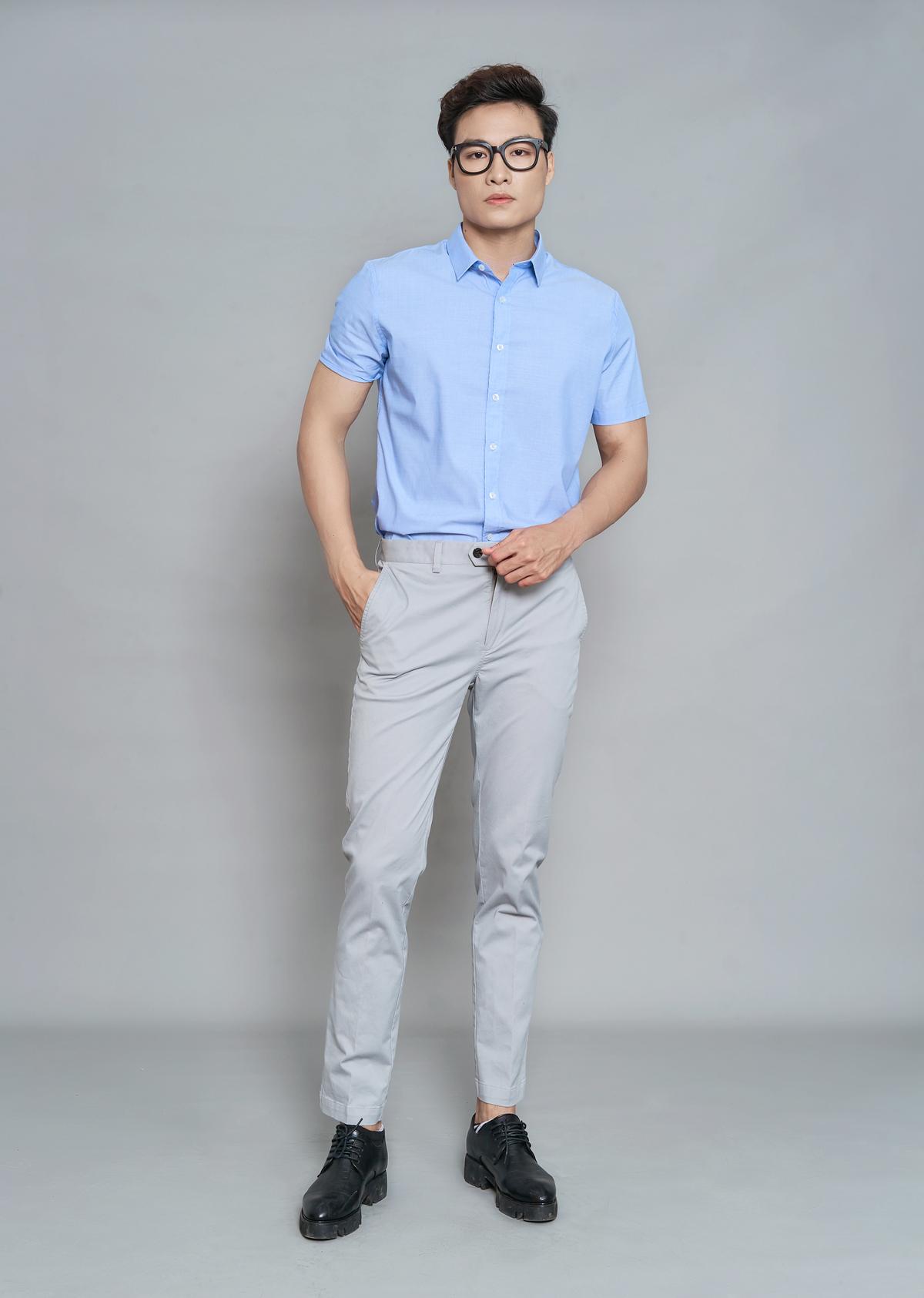 Quần kaki nam màu 3 DGC - SQK1901M giảm 20% còn 516.000 thiết kế với phom dáng ôm vừa vặn, co giãn nhẹ. Màu săc trung tính, dễ phối kết hợp cùng các dáng áo, mang lại phong cách trẻ trung và đầy phóng khoáng dành cho phái mạnh.
