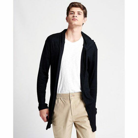 Áo khoác nam The Cosmo Aiden Cardiganmàu đen TC1023058BA giảm 25% còn 299.000 đồngdáng dài, phom suông, tay dài, có nón, chất liệu dày dặn giúp giữ ấm hiệu quả cho những ngày thời tiết trở lạnh. Với thiết kế thoải mái, phóng khoáng, Aiden Cardigan khá thích hợp với những bộ trang phục hàng ngày. Bạn có thể phối chúng cùng với áo thun, jeans hay quần chinos cùng tông màu.