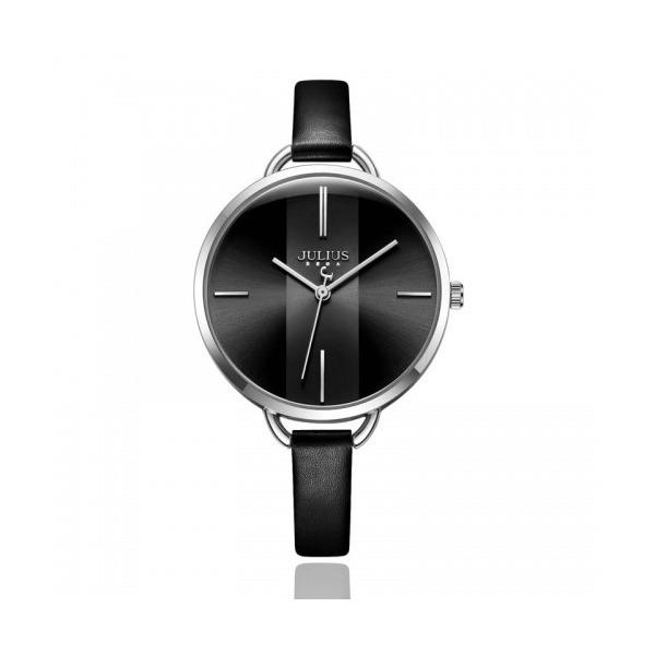 Thêm một mẫu đồng hồ với mặt số và dây đeo màu đen cho chị em lựa chọn là đồng hồ nữ Hàn Quốc Julius JA-1122E. Thay cho dây đeo bằng thép không gỉ, dây đeo da mang lại cảm giác năng động nhưng vẫn thanh lịch. Đường kính mặt 33 mm, thích hợp với những nàng thích đồng hồ mặt tròn to cá tính.Sản phẩm có giá 526.000 đồng.