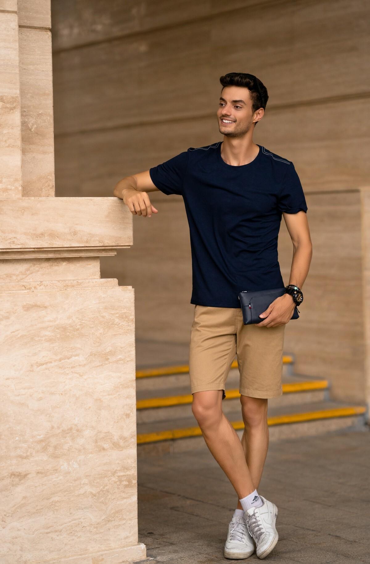 Áo phông nam ngắn tay ( slimfit) xanh than DGC - WAT1816M giảm 20% còn 204.000 đồngthiết kế hiện đại, trẻ trung nhưng vẫn vừa vặn hình thể. Với chất liệu thoáng mát, tôn vinh dáng vẻ nam tính, các chàng sẽ trở nên cuốn hút trong mắt người xung quanh.