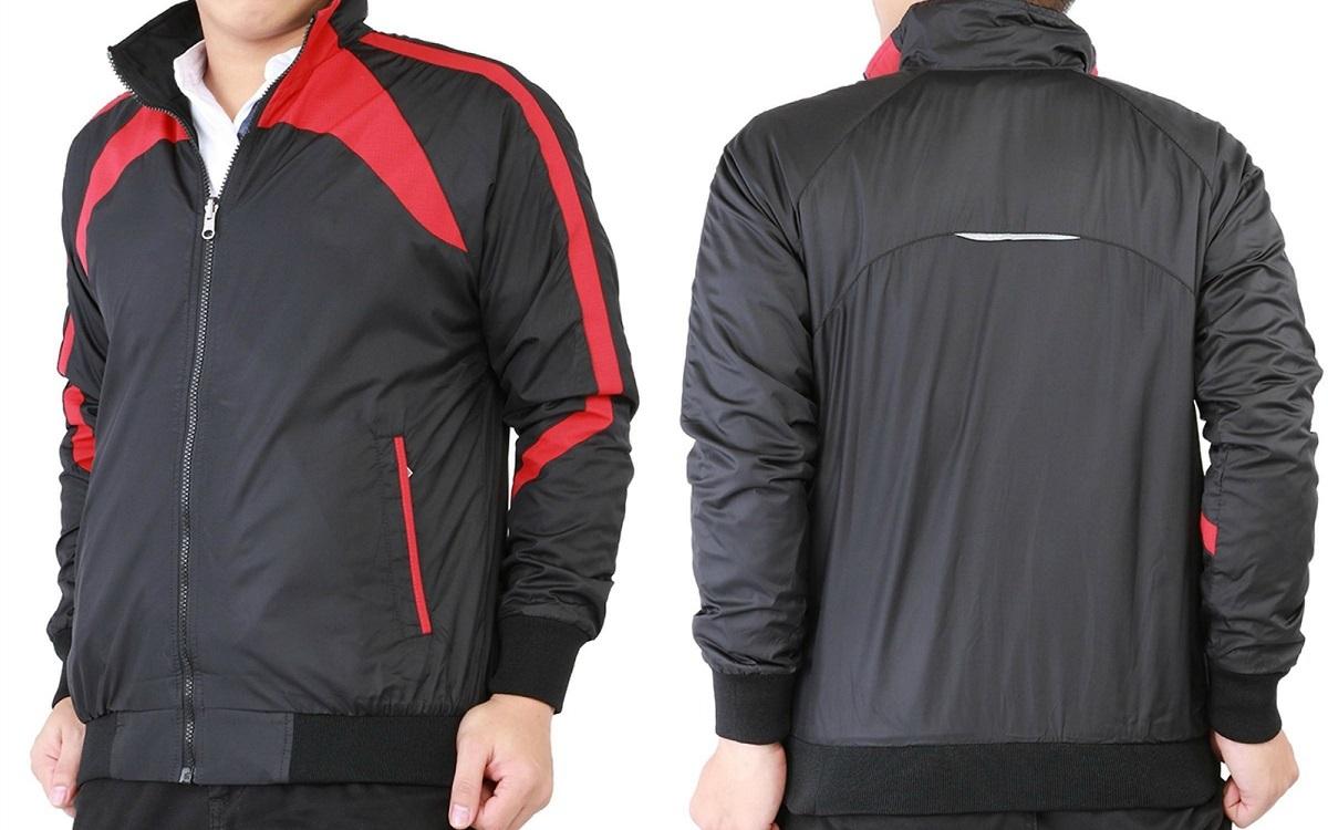 Áo khoác dù nam nữ Bonado AKD139XT có giá ưu đãi đến 41% trên Shop VnExpress, giảm còn 199.000 đồng. Áo có khả năng chống tia UV, chống nước và an toàn cho da. Áo may hai lớp dày dặn, có thể giữ ấm vào mùa đông, thoáng khí vào mùa hè, đi mưa thoải mái. Sản phẩm có ba màu đỏ, xanh dương, trắng phối với nền vải dù màu đen cho bạn thoải mái lựa chọn.