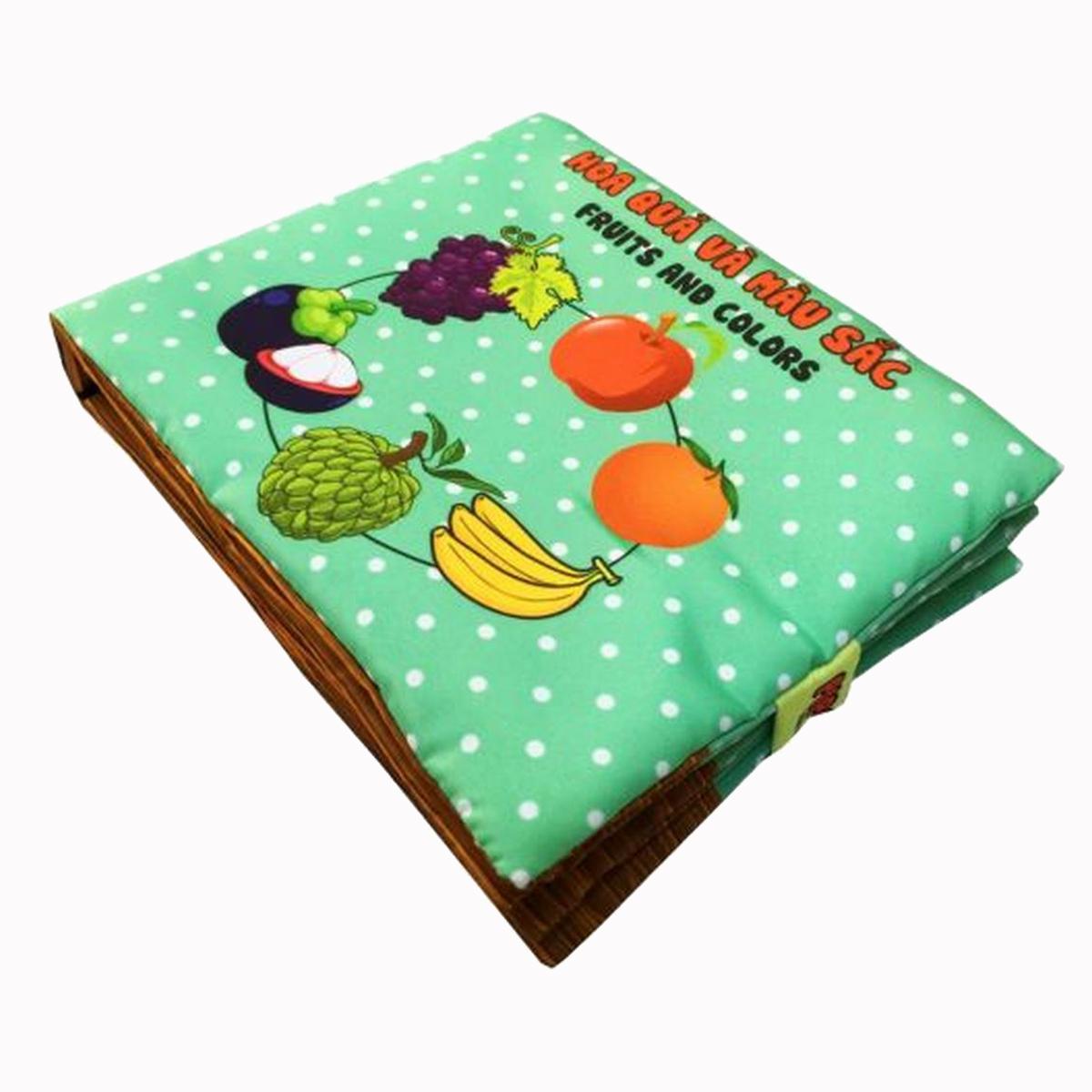 Sách vải hoa quả là sản phẩm làm bằng chất liệu vải có chức năng như một đồ chơi nhiều màu sắc lại có nhiều kiến thức cho bé học tập cùng ba mẹ. Sách có kích thước 18 x18 cm, nặng 300 gr, bé dễ cầm nắm và cũng dễ giặt. đang được bán với giá 123.000 đồng.