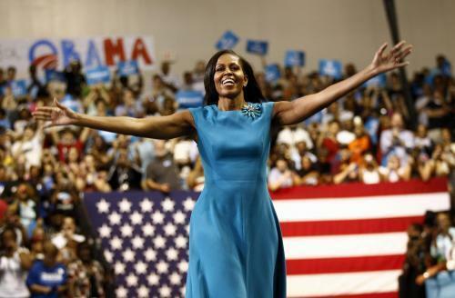 Michelle Obama cho rằng bà luôn mạnh mẽ và tự tin bởi cách giáo dục từ nhỏ của gia đình. Ảnh: ES.