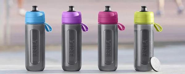Bình lọc nước Brita Active Purple - 600ml (kèm Microdisc) giá 749.000 đồng, thiết kế gọn nhẹ, năng động đảm bảo sự an toàn cho nguồn nước của bạn khi đi chơi hoặc đi đến những nơi công cộng như trường học, công sở, công viên... Sản phẩm có nhiều màu sắc trẻ trung, tươi mát để lựa chọn (tím, xanh dương, hồng và xanh lá cây) rất phù hợp cho các bạn thường hay tập gym, nhân viên văn phòng, các em học sinh, sinh viên.