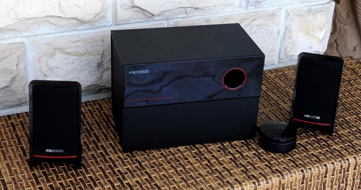 Loa Microlab M200BT 2.1 hiện có giá ưu đãi đến 44% trên Shop VnExpress, giảm còn 946.000 đồng (giá gốc 1,7 triệu đồng). Với một loa bass cùng hai loa treble, dàn loa cho âm thanh mạnh mẽ với công suất lên tới 40 W, độ nhiễu âm thanh nhỏ hơn 0,3%. Thiết kế đẹp mắt, cá tính với tông màu đen viền đỏ.