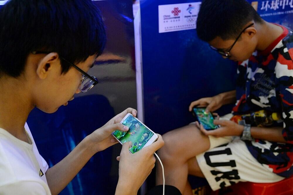 Trung Quốc đưa ra các quy định chơi game từ năm 2007 nhưng các game thủ nhỏ tuổi vẫn luôn tìm cách lách luật. Ảnh: Reuters.