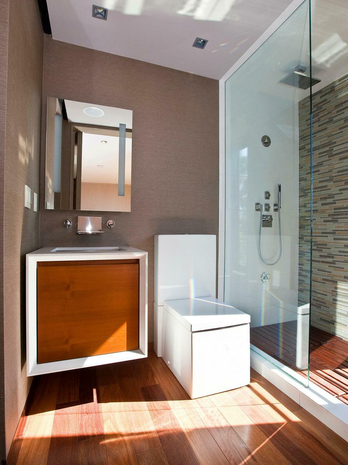 Phòng tắm Nhật Bản thường được thiết kế tối giản nhưng tiện nghi.