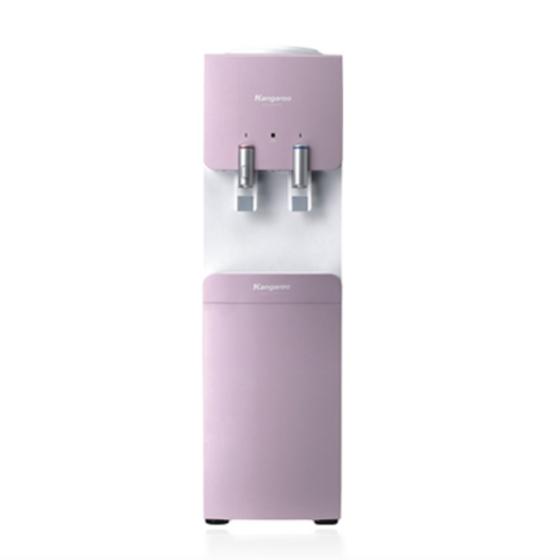 Máy làm nóng lạnh nước uống loại đứng hồng-trắng KG49 giảm 26% còn 6,95 triệu đồng; lạnh sâu 4- 12 độ C, cho bạn những cốc nước mát lạnh. Bên nóng cũng đạt đến 90 độ C với khóa an toàn cho trẻ nhỏ, có thể pha trà, cà phê, thậm chí là cả úp mì. Sản phẩm sử dụng bình úp, có màu hồng, được thiết kế mềm mại thanh nhã.