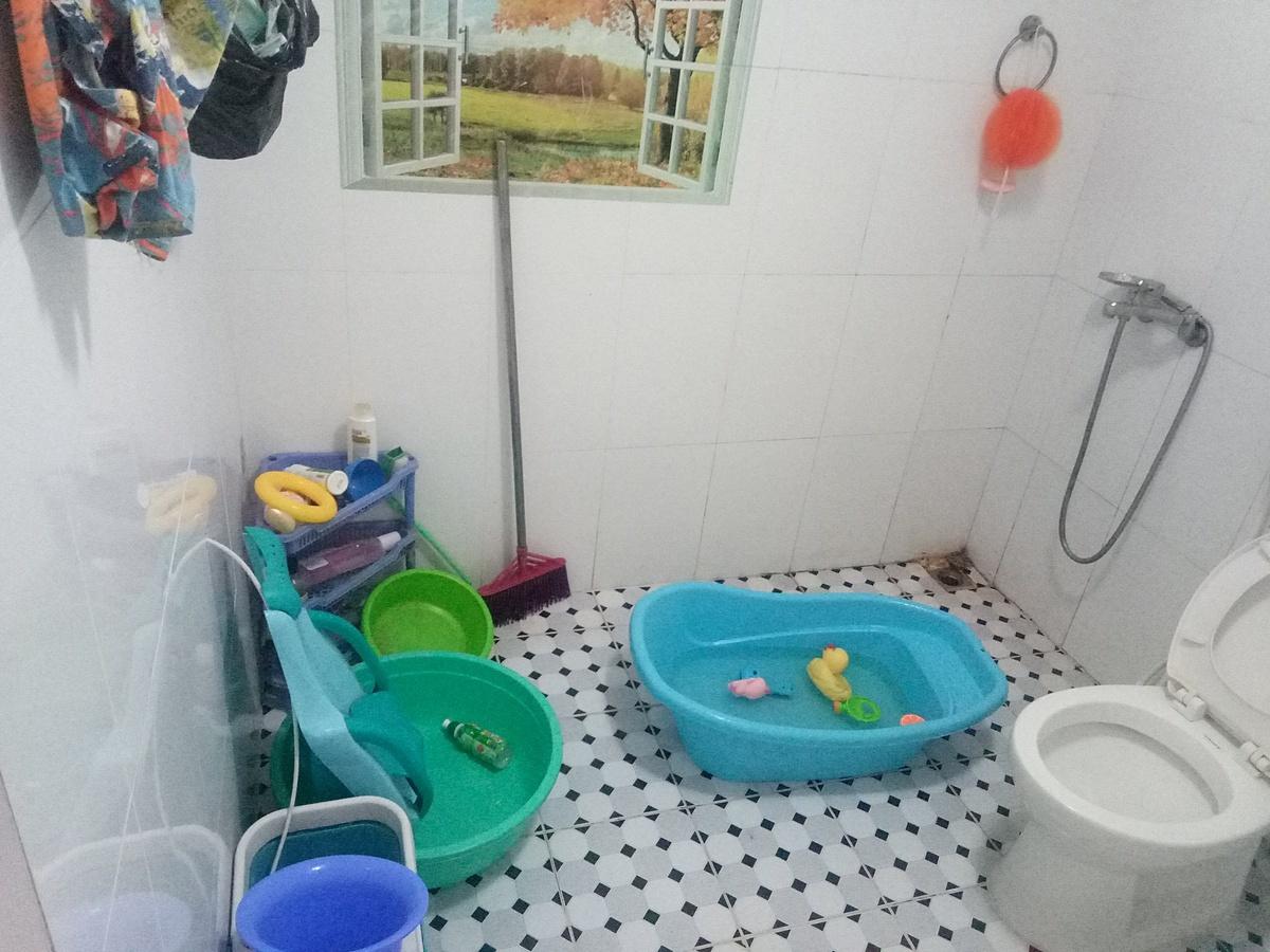 Phòng tắm của gia đình trẻ.