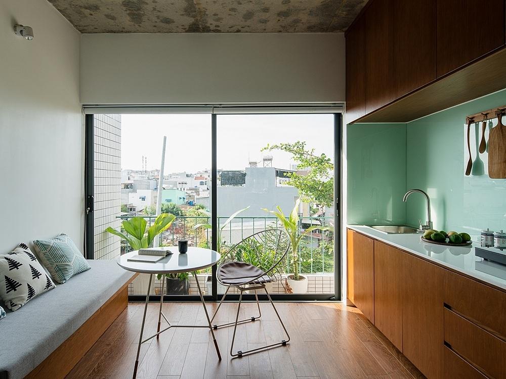 Khu bếp căn hộ số ba. Ảnh: Quang Dam.