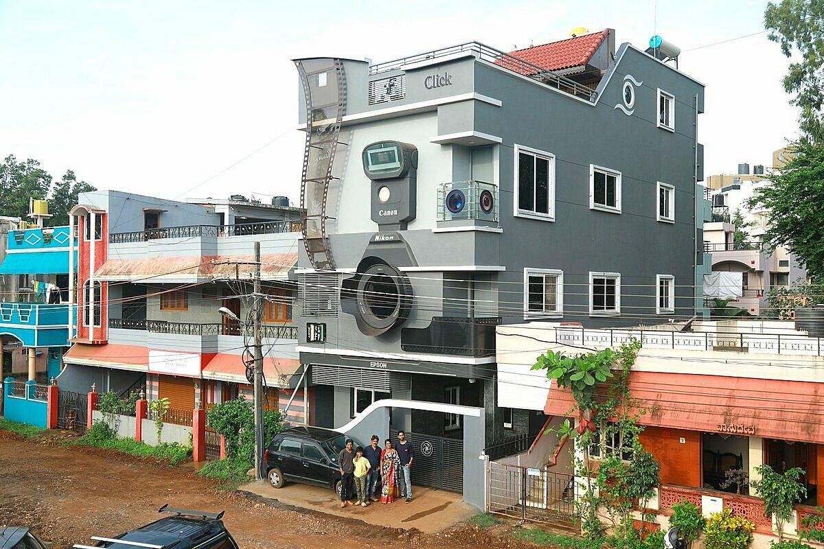 Ngôi nhà 3 tầng nồi bật trong khu phố mới ở Belgaum. Ảnh: Indiatimes.