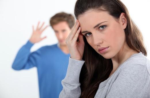 Nói dối chạm đến lòng tự ái của đối phương, gây lòng tin. Ảnh: Pinkvilla.