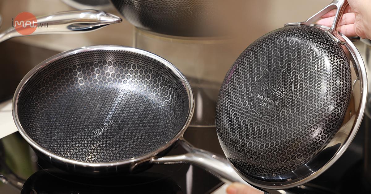 Chảo inox iMat Blackcube với công nghệ chống dính.