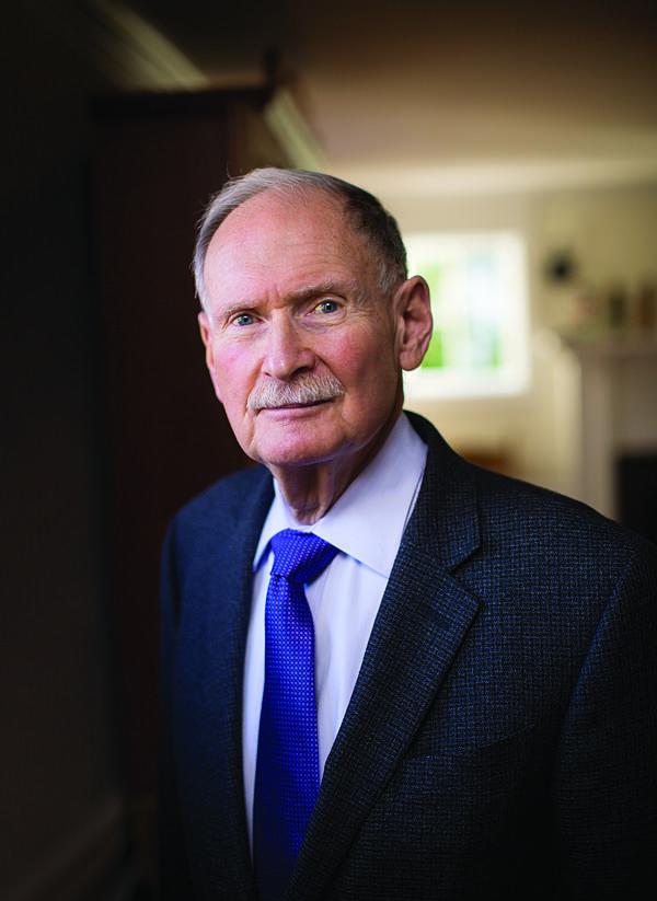 Bác sĩ Besdine vẫn làm việc ở tuổi 80 và chưa có ý định nghỉ hưu. Ảnh: Brown.