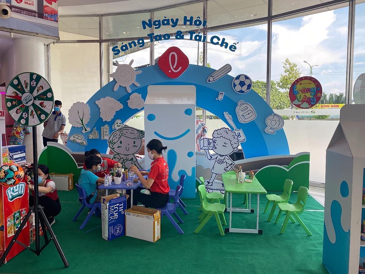 Ngày hội Sáng tạo và tái chế tại LOTTE Mart Nam Sài Gòn tiếp tục diễn ra đến hết 30/8.