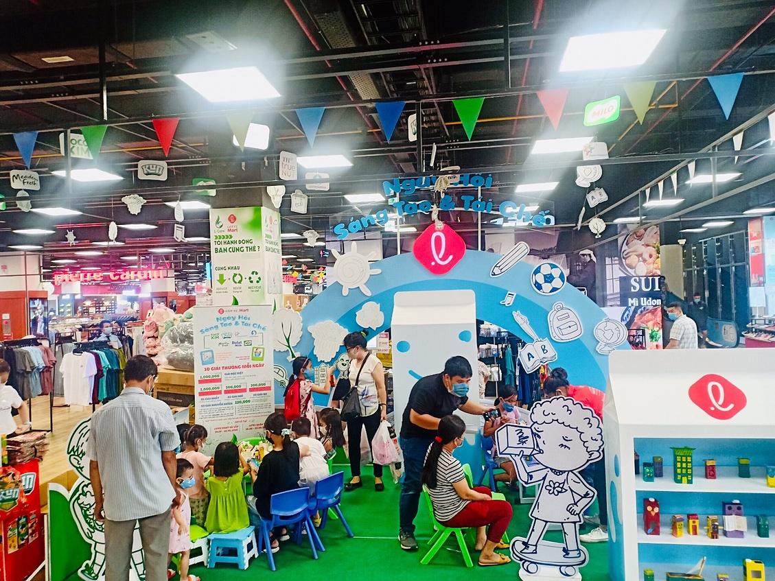 Ngày hội Sáng tạo và tái chế vừa qua tại LOTTE Mart Gò Vấp thu hút sự tham gia của nhiều bé.