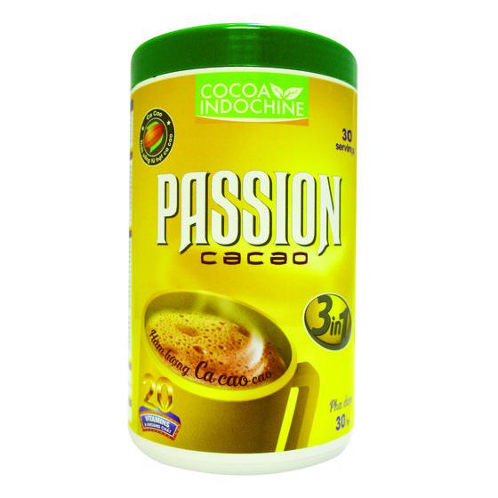 Cacao Passion 3 in 1 (hũ 450g) 77.000đ(-19%)Bổ sung dinh dưỡng, tăng cường Polyphenol, , flavonoid và vitamin khoáng chất có lợi cho sức khỏe, có tác dụng chống oxy hóa của não, hạ thấp huyết áp và phòng ngừa được ung thư. Cacao dạng bột pha uống liền thích hợp cho bữa sáng không chỉ ngon mà còn bổ dưỡng.Thành phần: Đường, Bột kem không sữa (glucose syrup, dầu cọ), Bột cacao (12%), Maltodextrin, muối, Hương ca cao tổng hợp, Hương vani tổng hợp,hương malt, canxi, Vitamin, khoáng chất.Khối lượng tịnh: 450gHướng dẫn sử dụng:Uống nóng: Cho 4 muỗng Passion 3 in 1 (khoảng 20g) vào 70ml nước nóng, tùy ý thêm sữa hoặc đường, sau đó khuấy đều.  Uống lạnh: Cho 4 muỗng Passion 3 in 1 (khoảng 20g) vào 50ml nước nóng, tùy ý thêm sữa hoặc đường, sau đó khuấy đều cho đá vừa đủ dung.