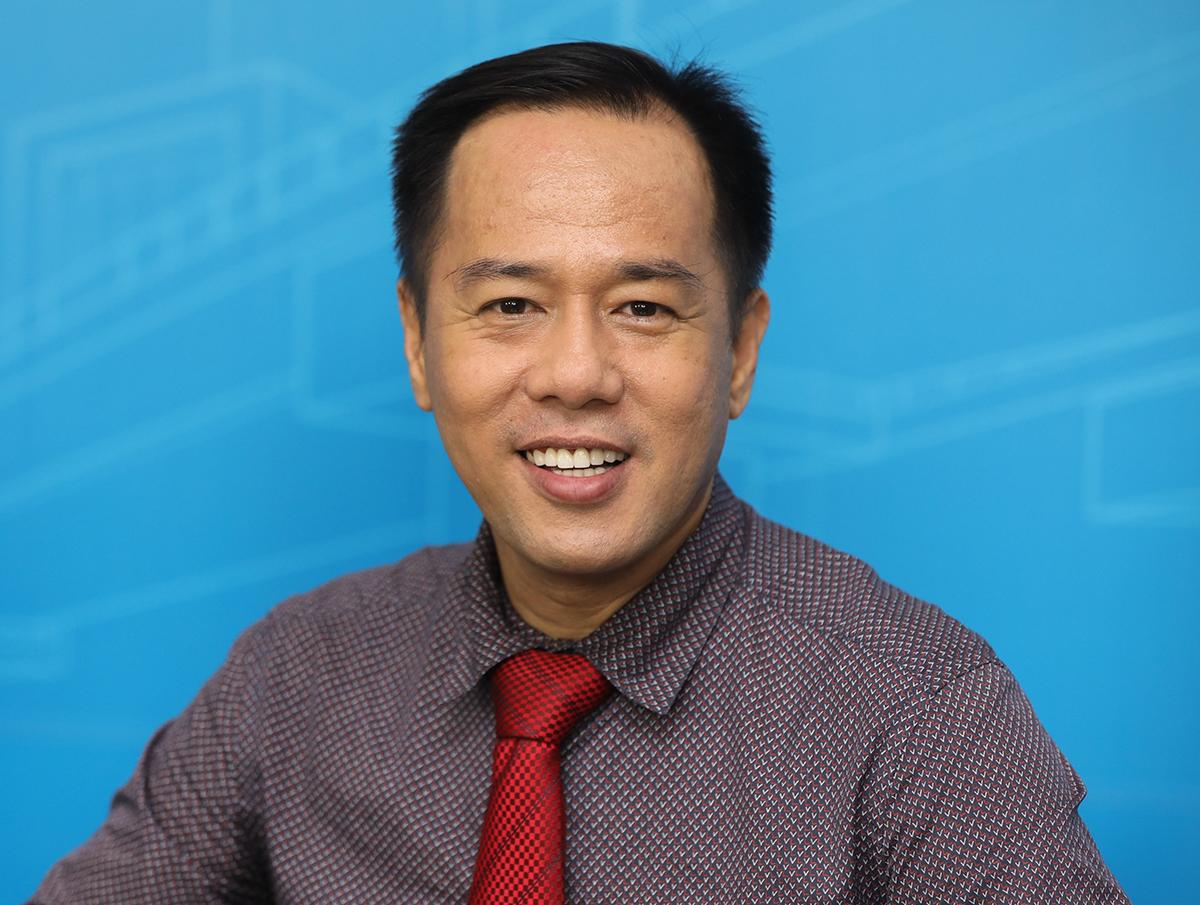 Theo Giáo sư, tiến sĩ Huỳnh Văn Sơn thử thách chính là môi trường để con hiểu về bản thân và lớn khôn thêm.