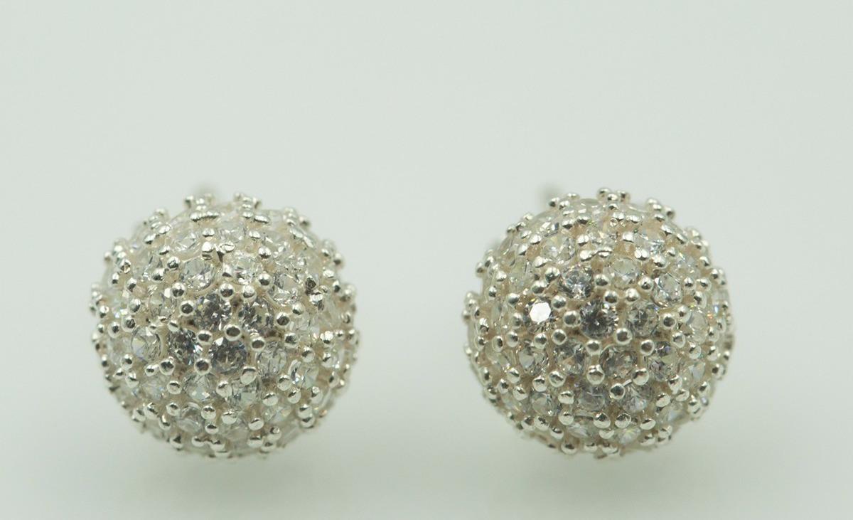 Hoa tai bạc đính đá Opal E4 được chế tác từ bạc Italy S925 xi mạ bạch kim. Bề mặt được nạm đá tạo điểm nhấn sang trọng. Kiểu chấu thiết kế dễ sử dụng. Sản phẩm có giá giảm 270.000 đồng, giảm 40% so với giá gốc.