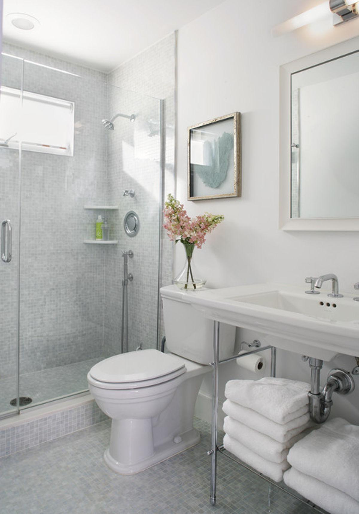 Sử dụng vanity một ngăn: Thiết kế này sẽ giúp phòng tắm thông thoáng hơn so với các loại truyền thống nhưng vẫn có thể phát huy tác dụng lưu trữ đồ dùng.