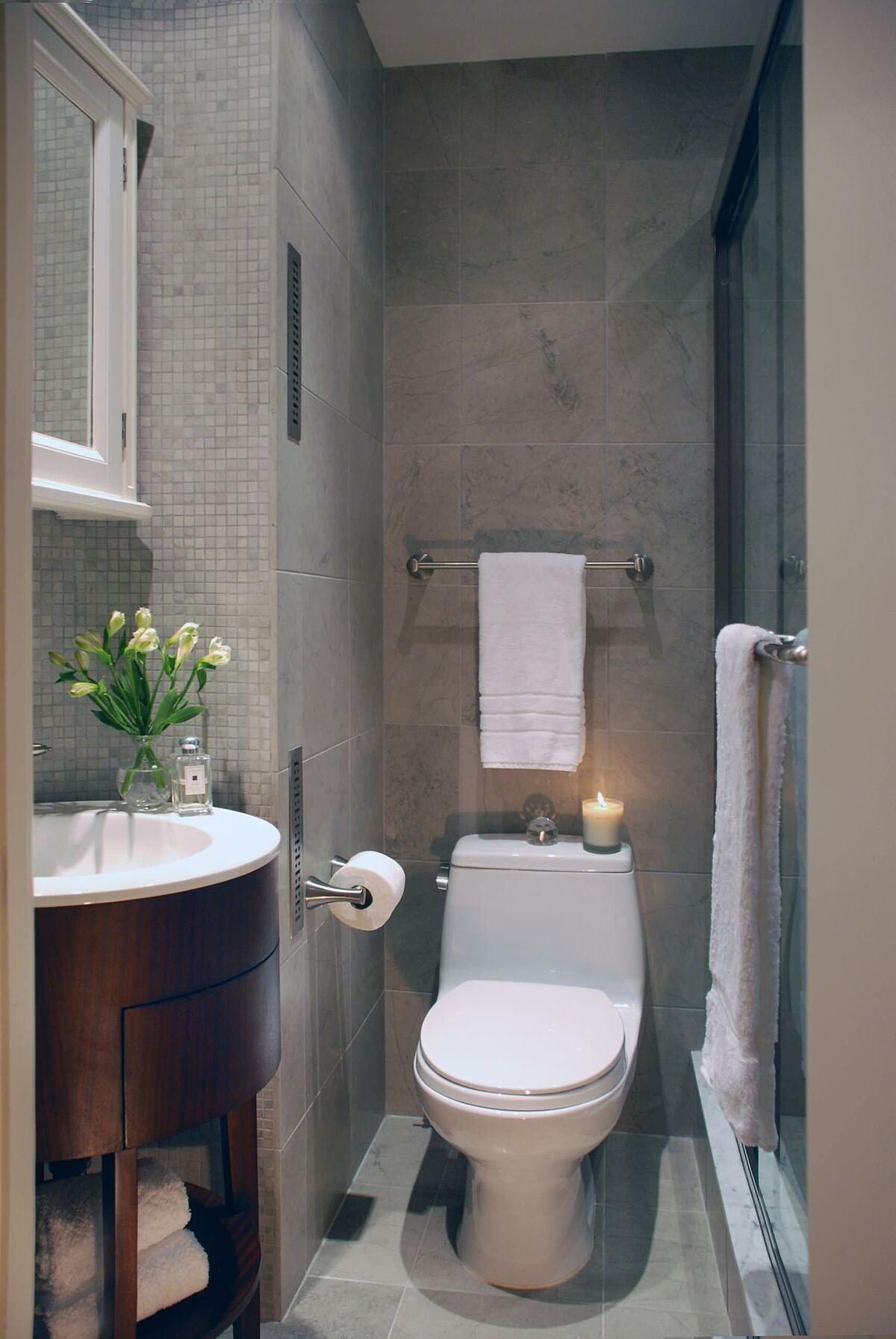 Dùng tủ vanity tròn: Sử dụng các thiết bị nội thấy có góc nhọn trong không gian hẹp sẽ gây nguy nhiểm cho các thành viên trong gia đình. Đo đó, chủ nhà nên chọn các loại tủ có góc bo tròn, đặc biệt là các gia đình có người già, trẻ nhỏ.