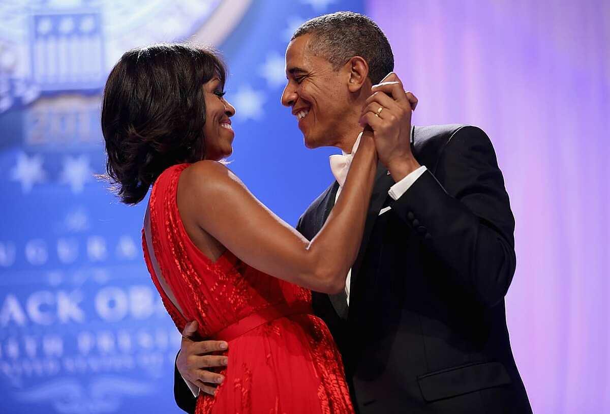 Vợ chồng nhà Obama đã ở bên nhau gần 28 năm. Ảnh: AFP