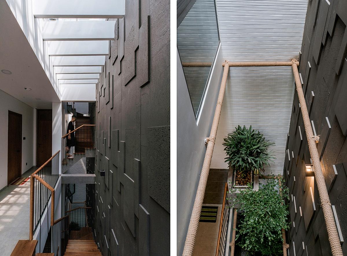 Khoảng thông tầng kết hợp với giếng trời đưa ánh sáng xuống nhà. Ảnh: Tô Nguyễn.