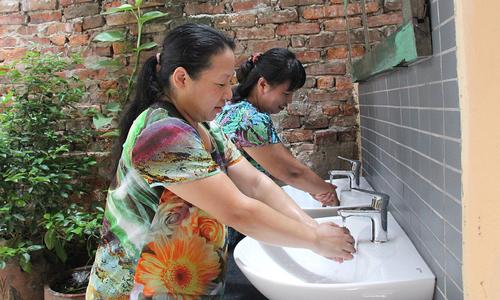 'Phòng tắm trong mơ' của 8 gia đình phố cổ