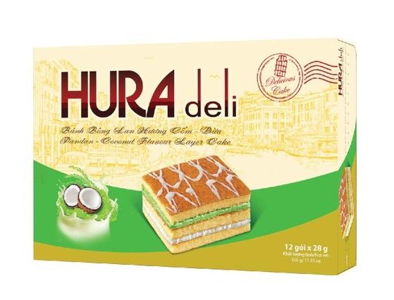 Bên cạnh các sản phẩm bánh trung thu, hộp bánh làm quà biếu, một số loại bánh kẹo khác của Bibica cũng có giá ưu đãi. Bánh bông lan Bibica Hura Deli cốm dừa hộp 12 cái có giá 45.000 đồng. Bánh vị trứng sữa kèm theo nhân kem, thơm mùi sữa dừa.